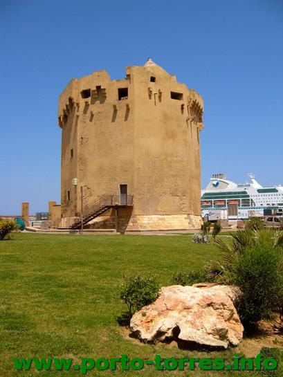 Torre  Aragonese nel 2004