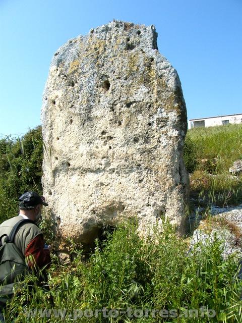 monolite della tomba